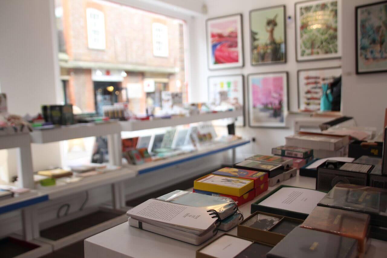 London Books Store Indigo