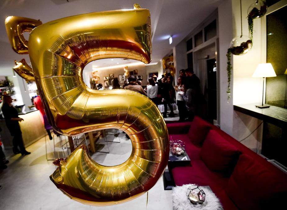 ballon gold zahl 5 event blogger indigo düsseldorf